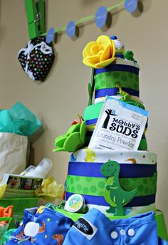 Cloth Diaper Cake Tutorial from The Eco Chic. #FluffinAwesome Baby Shower gift! #makeclothmainstream