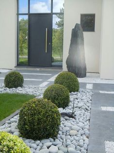 51 simple and small front yard landscaping ideas for low maintenance 38 – modern landscape design front yard Front Yard Landscaping Plans, Cheap Landscaping Ideas, Modern Landscaping, Backyard Landscaping, Landscaping Design, Backyard Ideas, Boxwood Landscaping, Farmhouse Landscaping, Tropical Landscaping