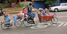 Bakfiets bike for 6 children: so environmental friendly!