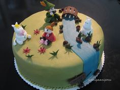 Moomins Wedding Cake  Square Cakes Picture