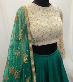 Pinterest: @pawank90 Indian Wedding Outfits, Pakistani Outfits, Indian Outfits, Indian Attire, Indian Wear, Frocks And Gowns, Lehenga Collection, Lehenga Designs, Indian Designer Outfits