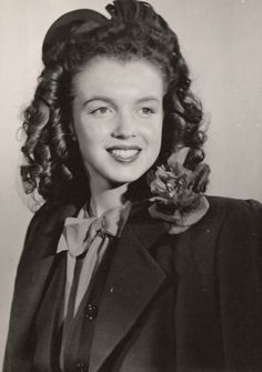 A rare photo of Norma Jeane around 14 years old.