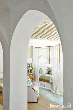 """7. Amplify Neutrals with Texutre Neutral decor can be interesting—just include a variety of materials. """"I used a range—from fine-gauge and open-weave linen, to raw silk and taffeta, to cotton velvet and distressed velvet,"""" says California-based designerOhara Davies-Gaetano. """"Not only that, there's also the contrast of matte sheens that absorb the light, and lustrous sheens that reflect it."""" Photography by Amy Neunsinger"""