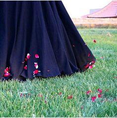 Stylish Dresses For Girls, Stylish Girl Images, Stylish Girl Pic, Beautiful Girl Photo, Cute Girl Photo, Beautiful Hijab, Hijabi Girl, Girl Hijab, Niqab Fashion