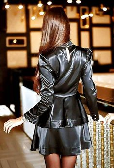 """Do you like this satin dress? Satin Skirt, Satin Dresses, Sexy Dresses, Sexy Skirt, Dress Skirt, Blouse Dress, Sexy Outfits, Pretty Outfits, Satin Blouses"