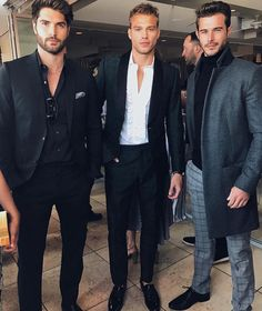 "boyzoo: ""Nick Bateman, Matthew Noszka, Alex Prange at Fashion L. Outfit Hombre Formal, Outfits Hombre, Nick Bateman, Mode Masculine, White Boys, White Man, Best Street Style, Mein Style, Stylish Mens Outfits"