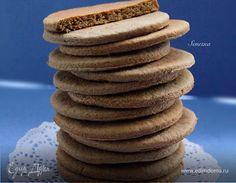 Знаю, что все праздники уже прошли и пора имбирного печенья закончилась. Но кто сказал, что имбирное печенье нельзя испечь просто так, без повода. А потом холодным зимним вечером наслаждаться им с ...