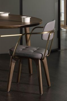 UTILITY ARMCHAIR U - Designer Restaurant chairs from Stellar Works ✓ all information ✓ high-resolution images ✓ CADs ✓ catalogues ✓ contact. Chaise Restaurant, Restaurant Furniture, Modern Dining Chairs, Dining Room Chairs, Dining Tables, Chair Design, Furniture Design, Living Divani, Living Room
