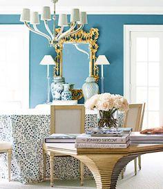 A classic American Dining Room by Dallas designer Amy Berry, via @sarahsarna.
