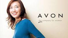 Vender Avon: Los representantes de ventas independientes no tienen que preocuparse de crear una marca, producto o estructura de negocio. Si te gusta hablar con la gente, este negocio social podría ser para ti. Las ganancias varían según la compañía a la que te afilies y la cantidad de ventas que cierres.