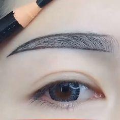 Everyday Makeup For School, Makeup Looks Everyday, Everyday Makeup Tutorials, Dramatic Eyeshadow, Eyeshadow Looks, Eyeshadow Makeup, Natural Eyeshadow, Simple Eyeshadow, Smokey Eyeshadow