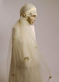 1920s wedding cap and veil