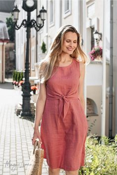 Elegant linen dress designed for day in day out wear. Breathable, lightweight and super comfortable. Elegant linen dress designed for day in day out wear. Breathable, lightweight and super comfortable. Long Summer Dresses, Simple Dresses, Elegant Dresses, Casual Dresses, Fashion Dresses, Casual Outfits, Formal Dresses, Modest Fashion, Wedding Dresses