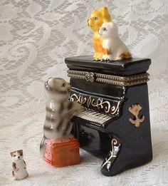 $8.95~~Definitely kittens on the keys! =^..^=