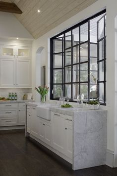 Coastal Residence Shingle Style Kitchen Transitional by Harrison Design Kitchen Island, Kitchen Cabinets, Harrison Design, Diy Home Improvement, Kitchen Styling, Coastal, Home Renovation, Projects, Style