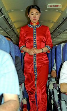 Hainan Airlines Stewardess back on duty after having subdued and restrained an unruly drunken passenger. Hainan Airlines, Airline Cabin Crew, Flight Attendant, Golden Age, Aviation, Female, Beautiful, Fashion, Moda