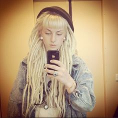 i LOVE the way her dreads look. Blonde Dreadlocks, Dreads Girl, Locs, Faux Dreads, Cute Dreads, Beautiful Dreadlocks, Dread Braids, Dreads Styles, Natural Hair Styles