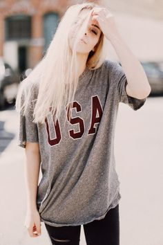 Brandy ♥ Melville | Nikola USA Top - Graphics