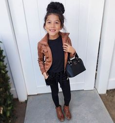 You are in the right place about boho toddler girl outfits Here we offer you the most beautiful pict Outfits Niños, Girls Fall Outfits, Little Girl Outfits, Cute Outfits For Kids, Little Girl Fashion, Baby Outfits, Toddler Girl Style, Toddler Girl Outfits, Toddler Fashion