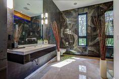 Maison à étages à vendre à Saint-Hippolyte - 22989030 - CINDY LEVASSEUR - MARC-ANDRE PILON Condo, Saint, Bathtub, Bathroom, Real Estate Broker, Standing Bath, Washroom, Bath Tub, Bath Room