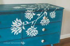 Hand Painted Dresser Miss Mustard Seed Milk Paint Flow Blue … - Diy Vintage Möbel Redo Furniture, Repurposed Furniture, Painted Bedroom Furniture, Hand Painted Dressers, Vintage Painted Furniture, Furniture Rehab, Furniture Makeover, Painted Dresser, Stencil Furniture