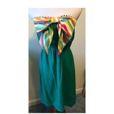 Judith March strapless dress Green Judith March strapless dress with bow. 90% cotton 10% spandex  - dress has lining Judith March Dresses Strapless