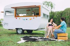 Vintage Caravan Bar - Mobile bar service for weddings & private events. Available for portable bar hire in Brisbane, Gold Coast, Byron Bay, Sunshine Coast & beyond