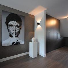 Meet Cobra Art, a boldly fun decor brand!