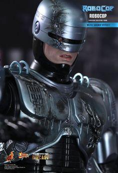 Hot Toys : RoboCop - RoboCop 1/6th scale collectible figure
