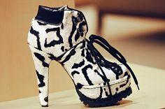 me morí al ver estos zapatos, y subiré al cielo con ellos puestos.