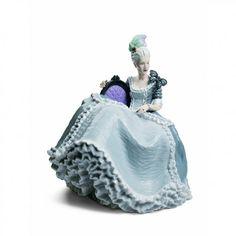 lladro Rococo Lady at the Ball figurine