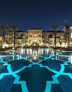 One & Only The Palm, Dubai http://thepalm.oneandonlyresorts.com/  Photo by Nicolas Buisson. Dazzling pool!!!