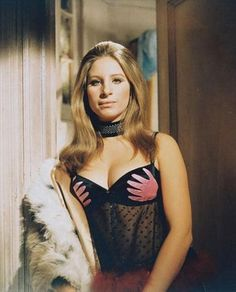 Barbra Streisand in The Owl and the Pussycat, 1970