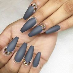 Coffin gray nails