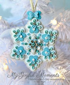Handcrafted Polymer Clay Ornament by Kay Miller on Etsy -- Could easily be felt embroidered snowflakes! Crea Fimo, Fimo Clay, Polymer Clay Projects, Polymer Clay Creations, Clay Crafts, Clay Beads, Polymer Clay Ornaments, Polymer Clay Charms, Polymer Clay Art