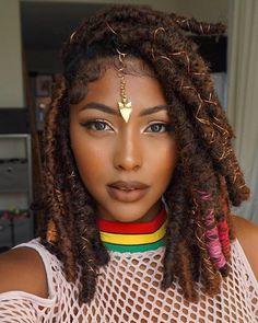Chunky Crochet Dread Bob Braids For African American Women Crochet Hair Styles bohemian crochet hair styles Faux Locs Hairstyles, Braided Hairstyles For Black Women, My Hairstyle, African Hairstyles, Girl Hairstyles, Hairstyles 2018, Rihanna Hairstyles, Teenage Hairstyles, Romantic Hairstyles