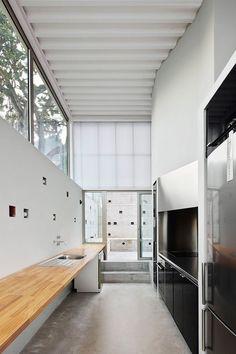 Seasonless House by Casos de Casas | iGNANT.de
