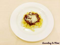 The easiest Spaghetti Bolognese ever!  Recipe in the blog post.