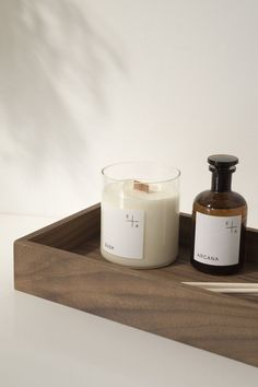 These just arrived for me to try from Essence and alchemy. Don't you just love them? They smell so good and the branding is perfect.  #scentedcandle #candle #essenceandalchemy #slowliving #nordicminimalism #shadowhuntersedit