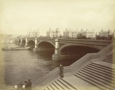 Westminster bridge, London..photo taken c.1875 : the three Palladian extensions on St Thomas's Hospital clearly visible