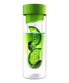 Green Flavour-It Water Bottle. Love fruit infused water! I need this in my life!