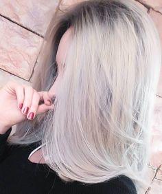 Aaaa cabello gris Youtubers, Hair Cuts, Tulle, Actors, Long Hair Styles, Ideas Para, Grande, Hair Ideas, Photography
