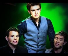 So funny picture of Emmett!! What is wrong ??