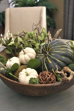 40 great variations for table decoration in autumn! - very creative autumn decoration for table – green pumpkins - White Pumpkins, Fall Pumpkins, Green Pumpkin, Rustic Fall Decor, Fall Arrangements, Decoration Table, Autumn Decorations, Christmas Decorations, Fall Diy