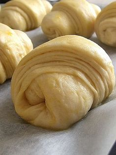 Katmar Türkisches Brot & The Spice Merchant & - lievitati ''pane'' - Bakery Recipes, Donut Recipes, Bread Recipes, Panettone Rezept, Savory Donuts Recipe, My Favorite Food, Favorite Recipes, Brioche Bread, Homemade Dinner Rolls