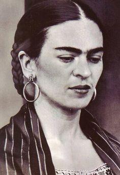 Deep, Artistic,Thoughtful, Melancholic, Feminine, Lover, Dreamer, Fashionista , Philosopher {Frida Kahlo}