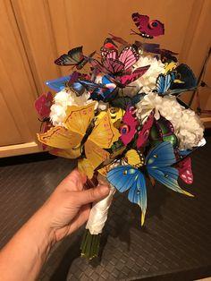 Wreaths, Halloween, Home Decor, Decoration Home, Room Decor, Halloween Labels, Bouquet, Spooky Halloween, Interior Decorating