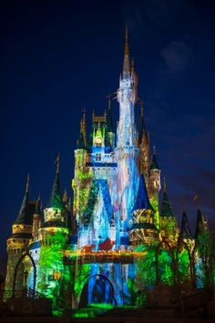 Slideshow of the Magic Kingdom's new Nighttime Castle Projection Show, Celebrate the Magic « Disney Parks Blog