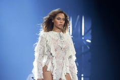 """UTSA students enrolled in a new English course titled """"Black Women, Beyoncé & Popular Culture"""" are delving into a raw, semester-long analysis of the singer's 2016 audiovisual project, """"Lemonade,"""" and its relativity to """"black feminism."""""""