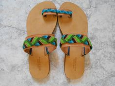 ΣΑΝΔΑΛΙΑ ΜΕ ΜΑΚΡΑΜΕ Slip On, Sandals, Shoes, Diy, Fashion, Over Knee Socks, Moda, Shoes Sandals, Zapatos